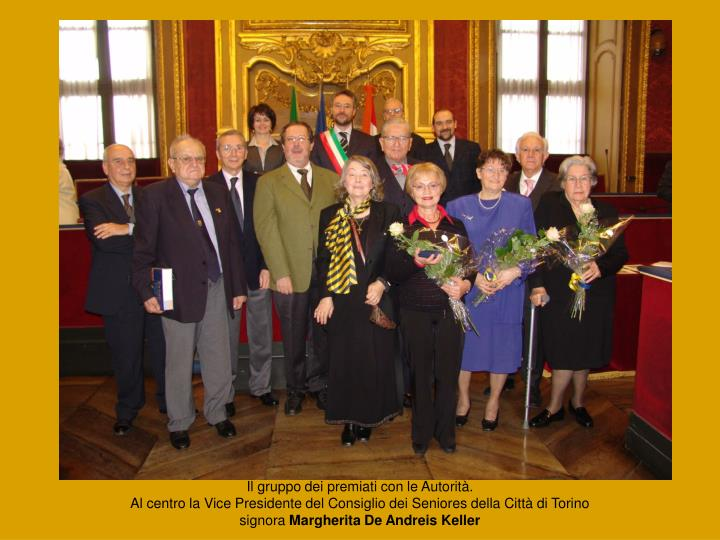 Il gruppo dei premiati con le Autorità.