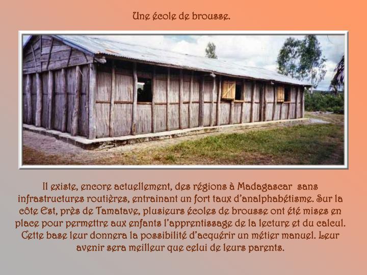 Une école de brousse.