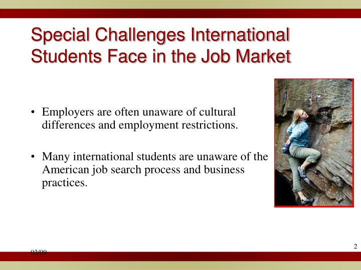 Special challenges international students face in the job market