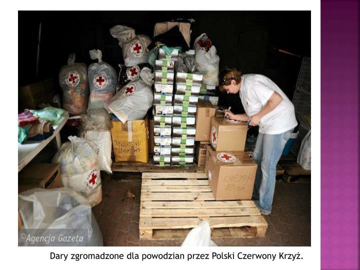 Dary zgromadzone dla powodzian przez Polski Czerwony Krzyż.