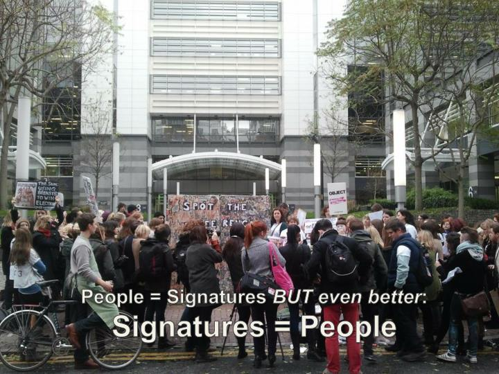 People = Signatures