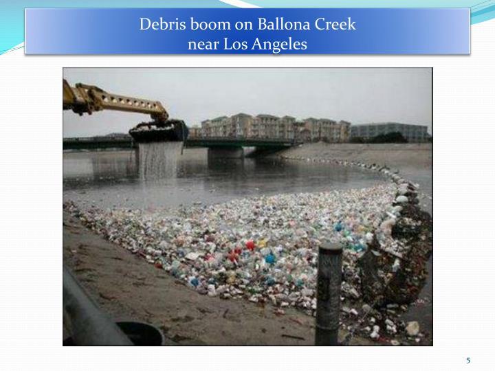 Debris boom on