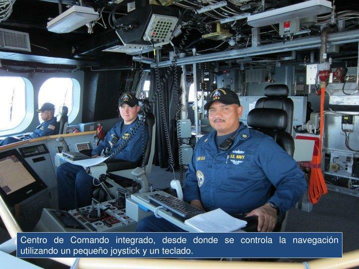 Centro de Comando integrado, desde donde se controla la navegación utilizando un pequeño joystick y un teclado.